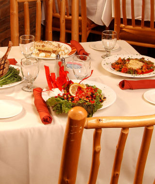 Table set with dishes - Zion Lodges